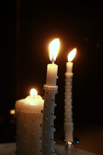 Easy to Make Pearl Studded Unity Candle