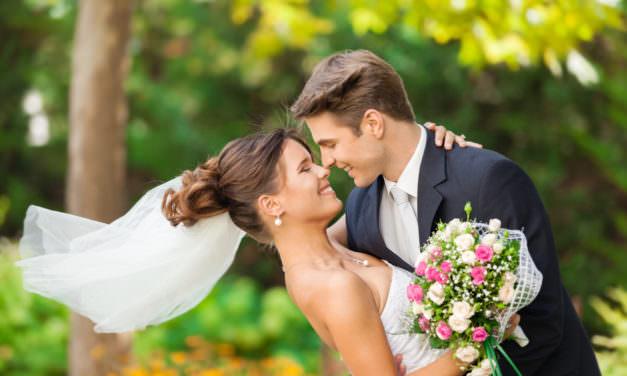 How To Shoot Weddings Like A Pro! (On Target Photo Training)